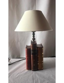 Lume Libri legno e pelle...